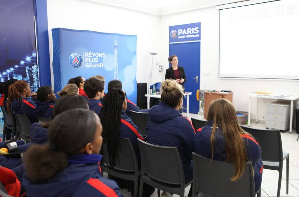 Les adhérents de la FNASS s'engagent en faveur du sport Féminin